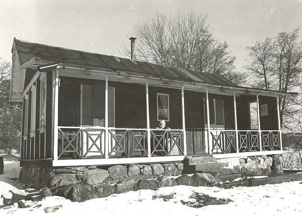 Beggnad på Fisksätra holmen.1972.Beggnaden idag riven Foto Kent.jpg