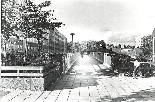 Fisksätra Kyrkan mot Centrum och Stationen.jpg
