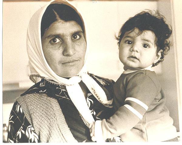 Mamma Kalkan med barn.jpg