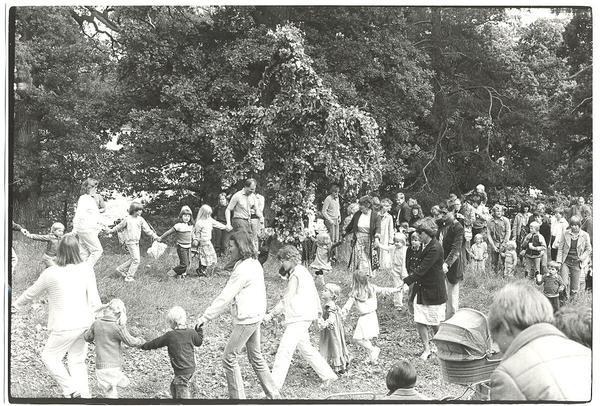 Midsommarfirande 1981.jpg