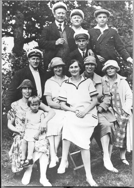 Sömmargäster på Fisksätra holme 1920-talet..jpg