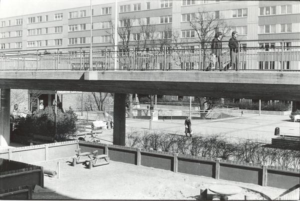 Torget Fisksätraminnen 2004.jpg