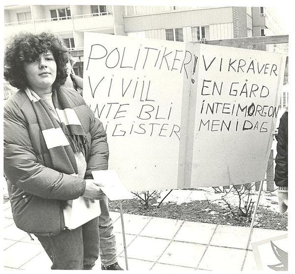 Ungdomar i Fisksätra demonstrerar.jpg