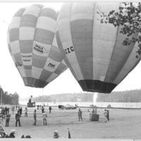 Ballonuppstigning vid invigningen.jpg