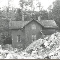 Beggnad på Fisksätra holmen.Idag riven. Foto 1970-talet Maj-Lis.jpg