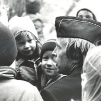 Bose Bergmar kvaterspolis med Fisksätra ungdomar.jpg