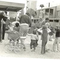 Gårdsfest på Sikgatan 1974 korv 75 öre.jpg