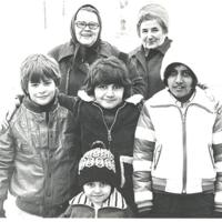 Maj-Lis Wahlström och barn.jpg