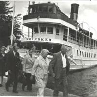 Norrskär anländer med tittare till Fisksätra 1975.jpg